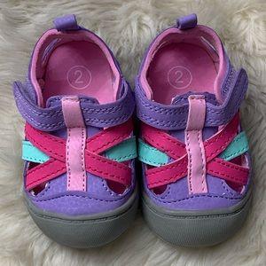 OSHKOSH Infant Colorful Bumper Toe Sandals, sz 2